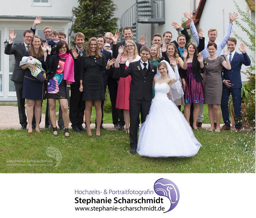 Schloss Waldenburg  34_Moderne-Gruppenfotos-auf-Hochzeiten-Romantik-Hotel-Schwanefeld-in-Meerane-bei-Zwickau-in-Sachsen_Hochzeitsfotograf-Stephanie-Scharschmidt