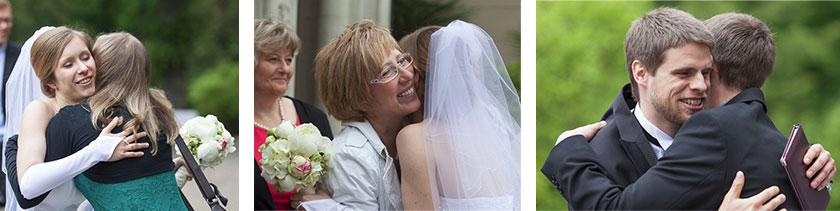 9_gratulation-der-Hochzeitsgäste-im-Schloss-Waldenburg-in-Sachsen_Hochzeitsfotograf-Stephanie-Scharschmidt
