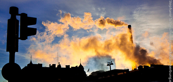 """image-30667: industry city Tampere – air pollution - the """"light"""" turns red"""