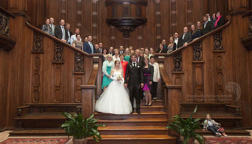 8_Gruppenfoto-eine-Hochzeit-im-Schloss-Waldenburg_Hochzeitsfotografie-Stephanie-Scharschmidt